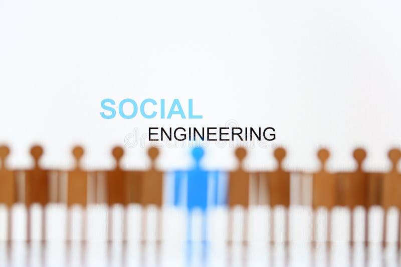 Σημάδι κοινωνικής μηχανικής επάνω από τη γραμμή ανθρώπινων αριθμών πα στοκ εικόνα