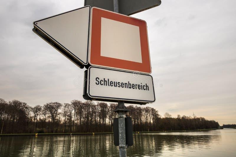 Σημάδι Ντόρτμουντ-EMS-Kanal Γερμανία κλειδαριών σκαφών στοκ φωτογραφία με δικαίωμα ελεύθερης χρήσης