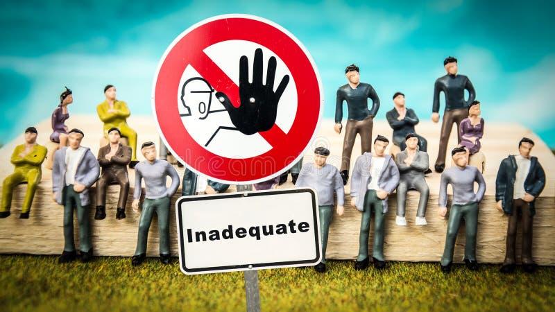 Σημάδι οδών πολύ καλός εναντίον ανεπαρκής στοκ εικόνα με δικαίωμα ελεύθερης χρήσης