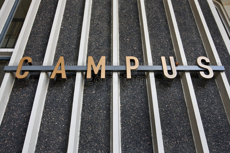 σημάδι πανεπιστημιουπόλ&epsilo στοκ εικόνα με δικαίωμα ελεύθερης χρήσης