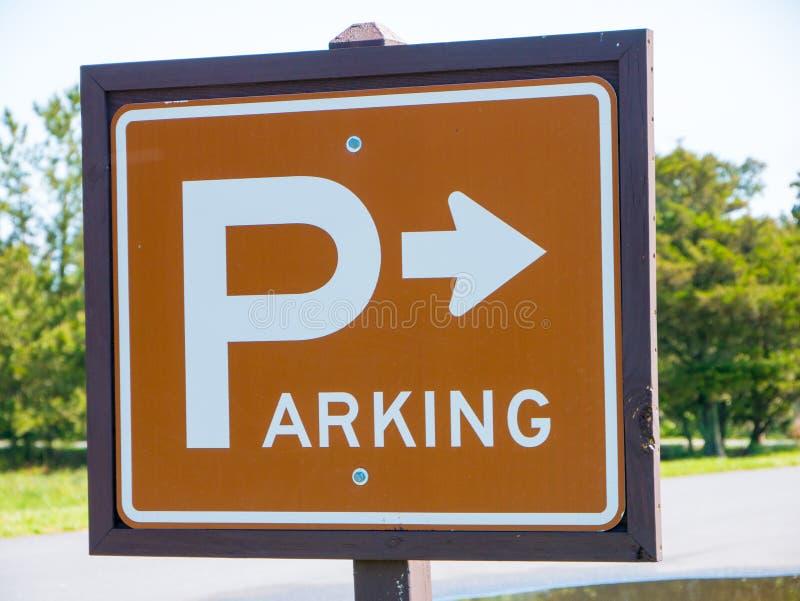 Σημάδι στάθμευσης στο πάρκο στοκ φωτογραφίες