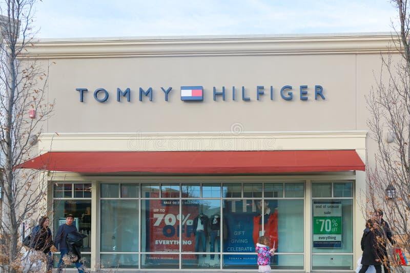 Σημάδι του Tommy Hilfiger στοκ φωτογραφίες με δικαίωμα ελεύθερης χρήσης