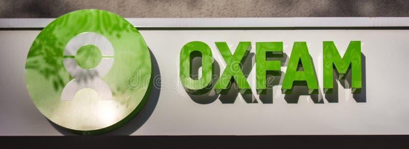Σημάδι Oxfam στην Κολωνία Γερμανία στοκ εικόνα