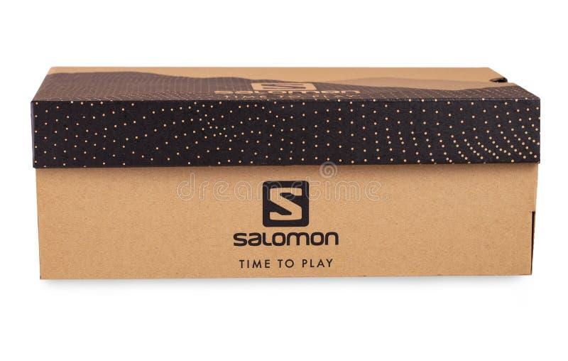 Σημάδι Salomon στο κιβώτιο παπουτσιών Salomon που απομονώνεται στο άσπρο υπόβαθρο στοκ εικόνες