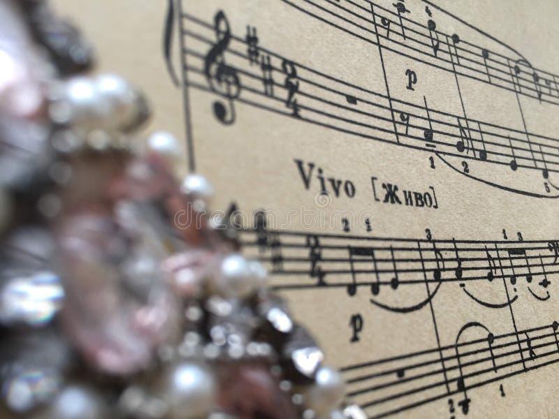 Σημάδι & x22 Vivian! † σε μια παλαιά μουσική φύλλων στοκ εικόνα με δικαίωμα ελεύθερης χρήσης