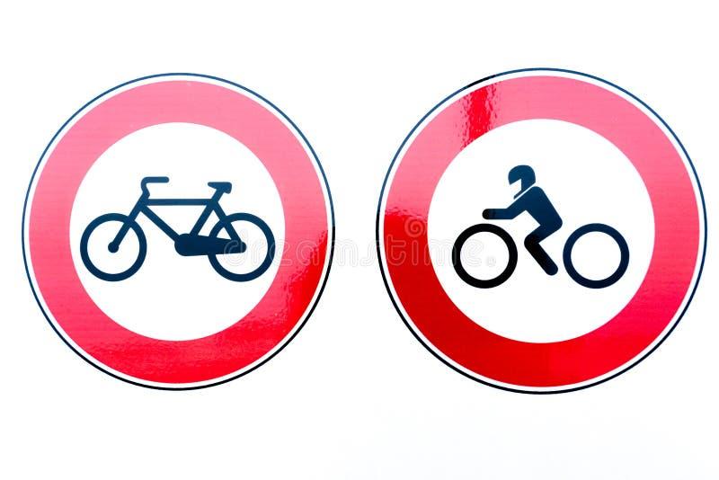 Σημάδια απαγόρευσης ποδηλάτων και μοτοσικλετών ελεύθερη απεικόνιση δικαιώματος