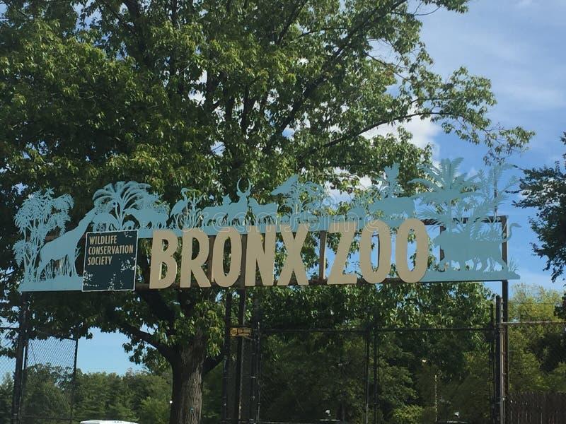 Σημάδι εισόδων ζωολογικών κήπων Bronx στοκ εικόνες με δικαίωμα ελεύθερης χρήσης