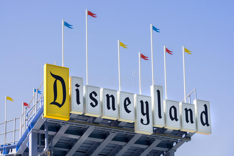 Σημάδι εισόδων Disneyland στοκ φωτογραφία με δικαίωμα ελεύθερης χρήσης