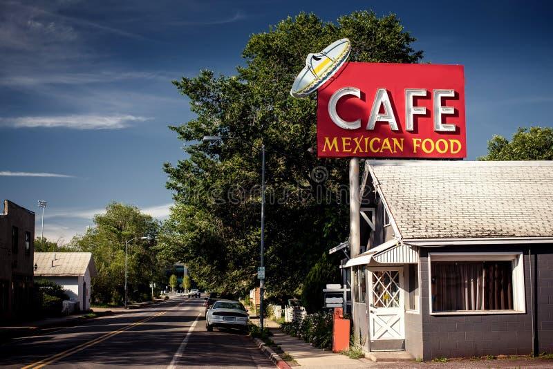 Σημάδι καφέδων κατά μήκος της ιστορικής διαδρομής 66 στοκ φωτογραφίες με δικαίωμα ελεύθερης χρήσης