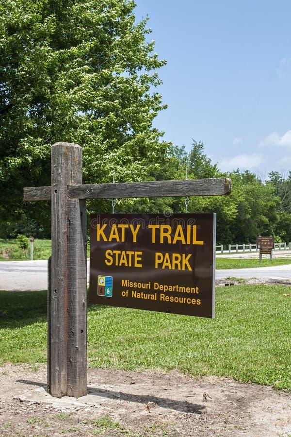 Σημάδι κρατικών πάρκων ιχνών του Μισσούρι Katy στοκ φωτογραφία