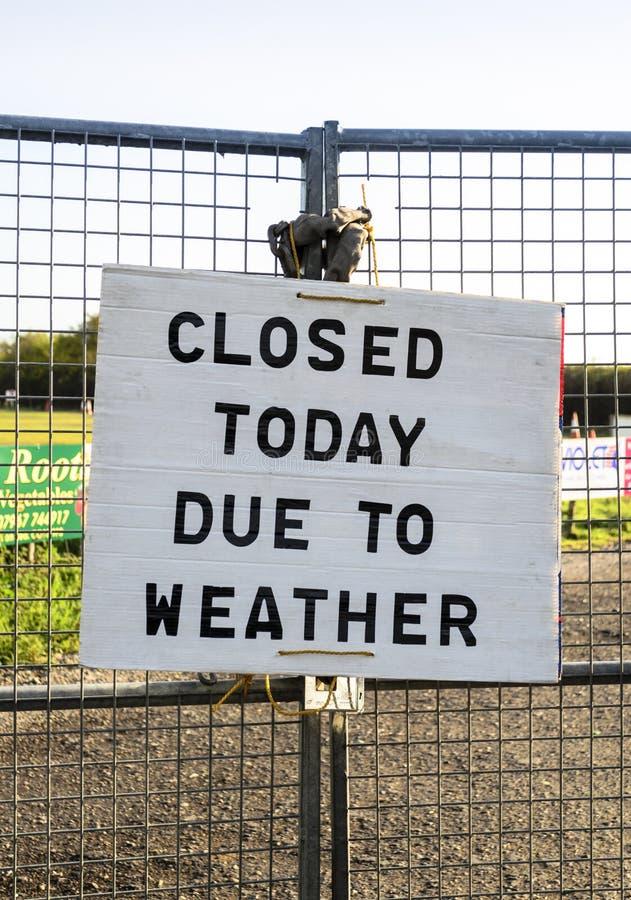 Σημάδι κλειστό σήμερα στοκ εικόνα