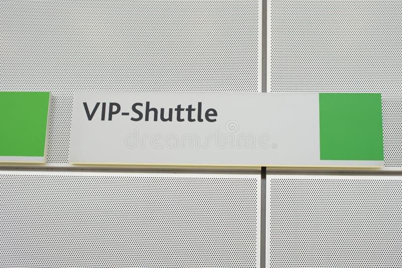 Σημάδι με τη VIP σαΐτα με τις πράσινες γωνίες στοκ φωτογραφία με δικαίωμα ελεύθερης χρήσης