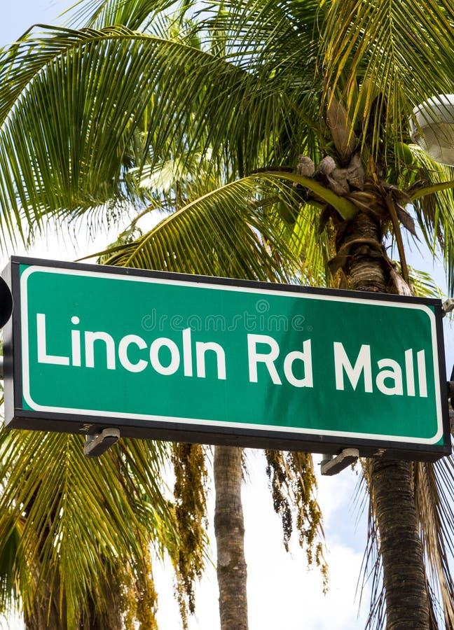 Σημάδι οδών οδικών λεωφόρων του Λίνκολν στο Μαϊάμι Μπιτς στοκ φωτογραφίες