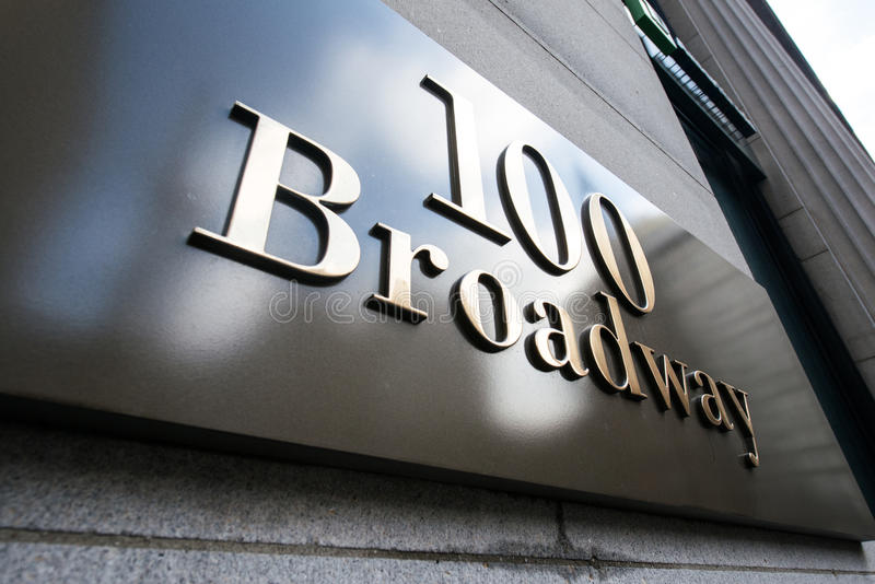 Download Σημάδι οδών Broadway στη Νέα Υόρκη Στοκ Εικόνα - εικόνα από στάδιο, πανόραμα: 62708569