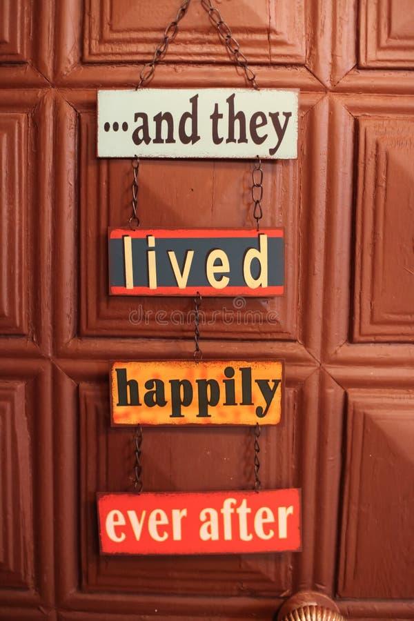 Σημάδι πορτών ευτυχίας στοκ φωτογραφίες