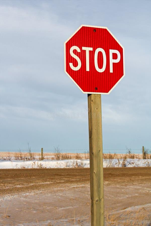 Σημάδι στάσεων εθνικών οδών το χειμώνα στοκ φωτογραφία