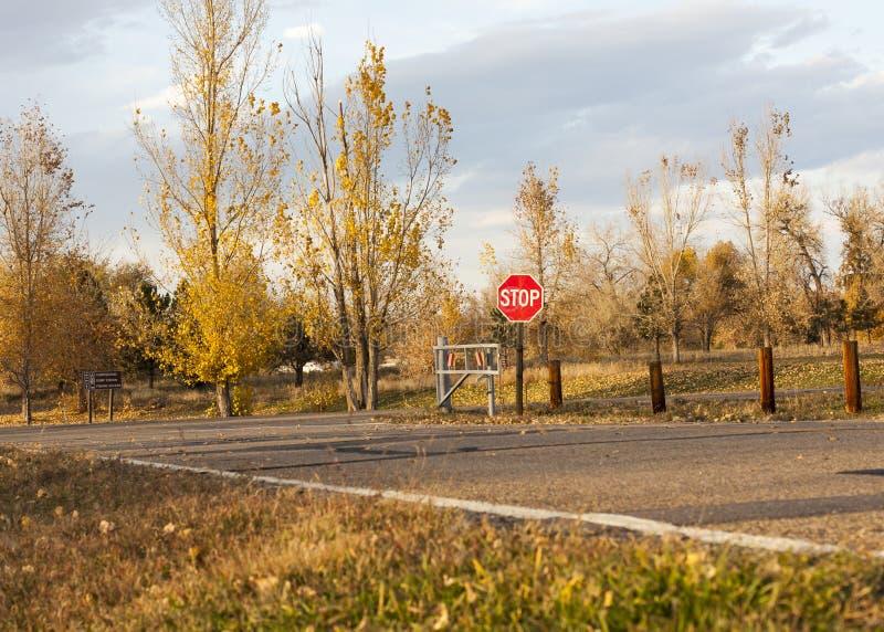 Σημάδι στάσεων πτώσης του Κολοράντο στοκ εικόνες