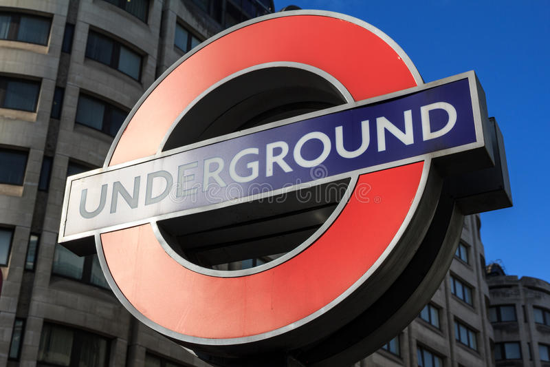 Σημάδι σωλήνων Μετρό του Λονδίνου στοκ εικόνες με δικαίωμα ελεύθερης χρήσης