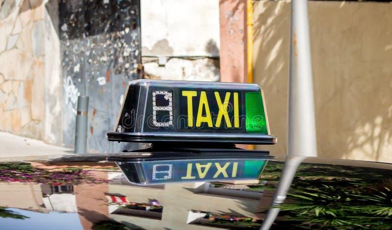 Σημάδι ταξί ελεύθερο στοκ φωτογραφία