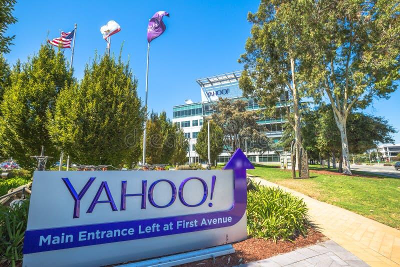 Σημάδι Sunnyvale του Yahoo στοκ φωτογραφίες