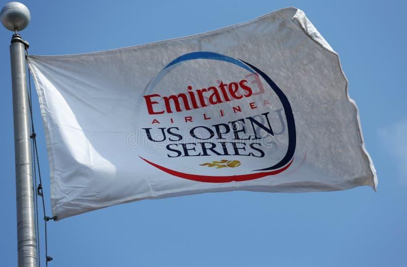 Σημαία αμερικανικής η ανοικτή σειράς αερογραμμών εμιράτων στο εθνικό κέντρο αντισφαίρισης βασιλιάδων της Billie Jean κατά τη διάρκ στοκ εικόνα με δικαίωμα ελεύθερης χρήσης