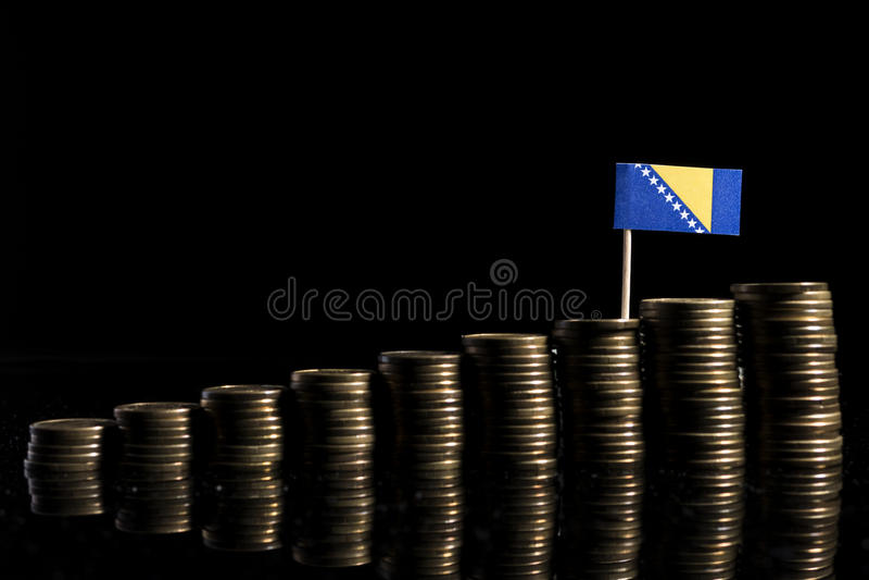 Σημαία Βοσνίας-Ερζεγοβίνης με το μέρος των νομισμάτων που απομονώνεται στο Μαύρο στοκ φωτογραφίες