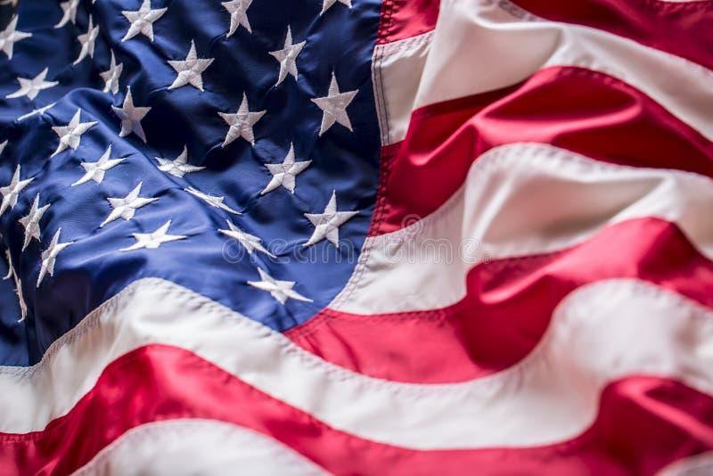 σημαία ΗΠΑ αμερικανική σημαία Φυσώντας αέρας αμερικανικών σημαιών Τέταρτος - 4ος του Ιουλίου στοκ εικόνες