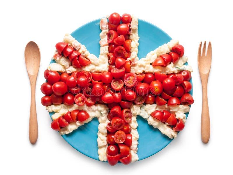 Σημαία της ενωμένης Αγγλίας φιαγμένης από ντομάτα και σαλάτα στοκ φωτογραφία με δικαίωμα ελεύθερης χρήσης