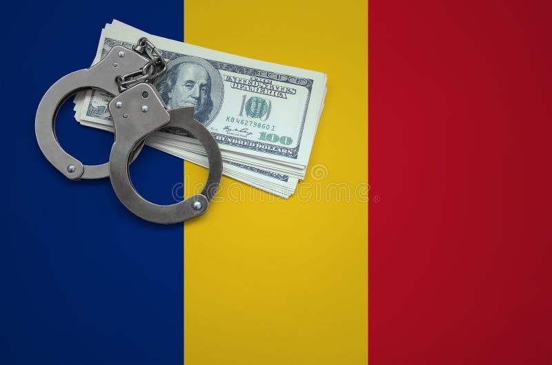 Σημαία της Ρουμανίας με τις χειροπέδες και μια δέσμη των δολαρίων Η έννοια της παράβασης του νόμου και των εγκλημάτων κλεφτών στοκ φωτογραφία