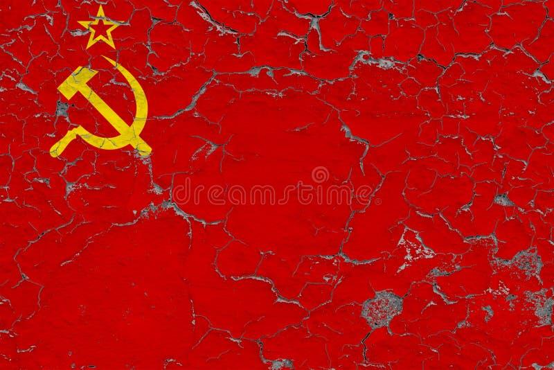 Σημαία της Σοβιετικής Ένωσης που χρωματίζεται στο ραγισμένο βρώμικο τοίχο Εθνικό σχέδιο στην εκλεκτής ποιότητας επιφάνεια ύφους διανυσματική απεικόνιση