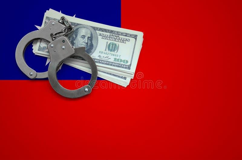 Σημαία της Ταϊβάν με τις χειροπέδες και μια δέσμη των δολαρίων Η έννοια της παράβασης του νόμου και των εγκλημάτων κλεφτών στοκ εικόνες με δικαίωμα ελεύθερης χρήσης