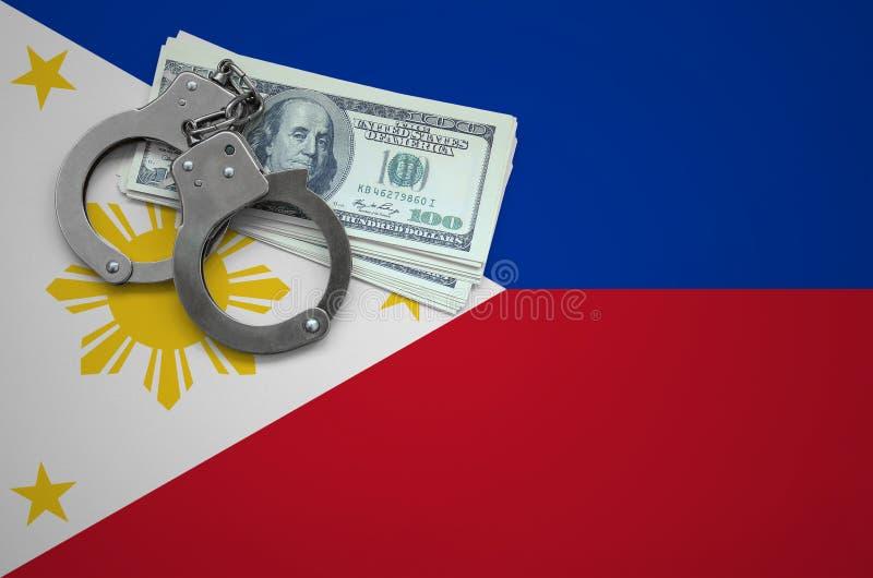 Σημαία των Φιλιππινών με τις χειροπέδες και μια δέσμη των δολαρίων Η έννοια της παράβασης του νόμου και των εγκλημάτων κλεφτών στοκ φωτογραφίες με δικαίωμα ελεύθερης χρήσης