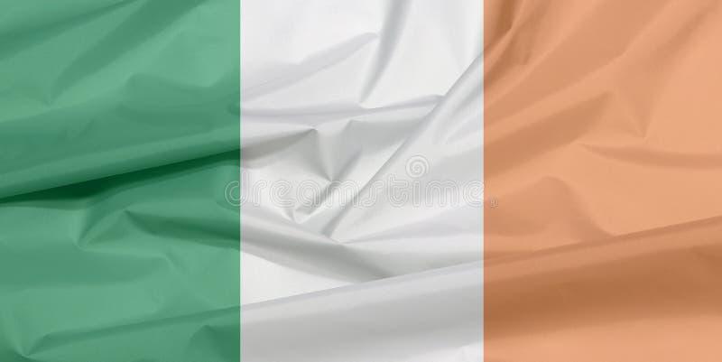 Σημαία υφάσματος της Ιρλανδίας Πτυχή του ιρλανδικού υποβάθρου σημαιών ελεύθερη απεικόνιση δικαιώματος