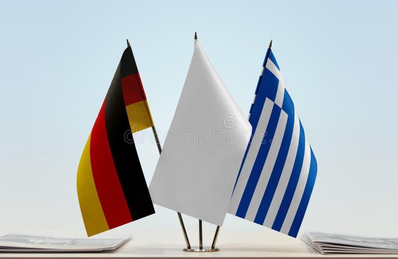 Σημαίες της Γερμανίας και της Ελλάδας στοκ εικόνες