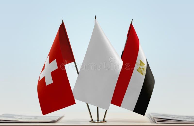 Σημαίες της Ελβετίας και της Αιγύπτου στοκ εικόνες