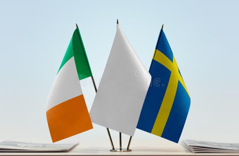 Σημαίες της Ιρλανδίας και της Σουηδίας στοκ φωτογραφίες με δικαίωμα ελεύθερης χρήσης