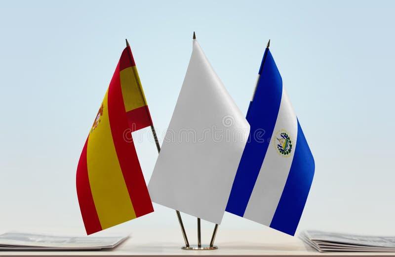 Σημαίες της Ισπανίας και του Ελ Σαλβαδόρ στοκ φωτογραφίες