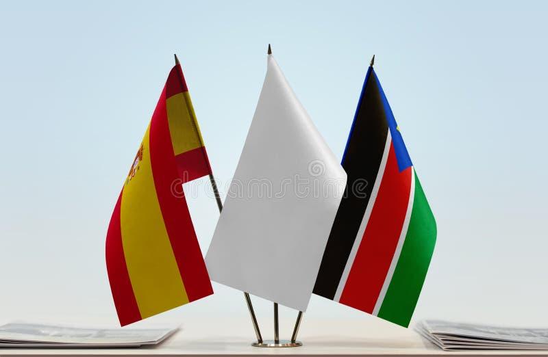 Σημαίες της Ισπανίας και του Νότιου Σουδάν στοκ φωτογραφία με δικαίωμα ελεύθερης χρήσης