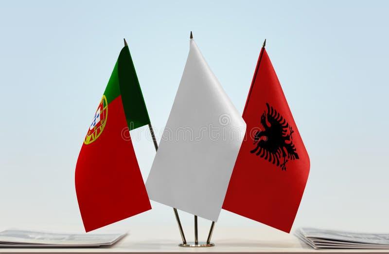 Σημαίες της Πορτογαλίας και της Αλβανίας στοκ φωτογραφία