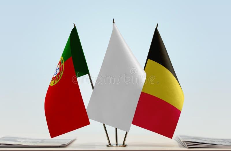 Σημαίες της Πορτογαλίας και του Βελγίου στοκ εικόνες με δικαίωμα ελεύθερης χρήσης