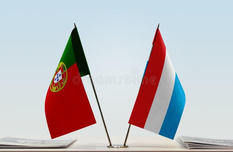 Σημαίες της Πορτογαλίας και του Λουξεμβούργου στοκ εικόνες