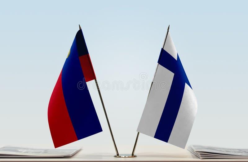 Σημαίες του Λιχτενστάιν και της Φινλανδίας στοκ εικόνες με δικαίωμα ελεύθερης χρήσης
