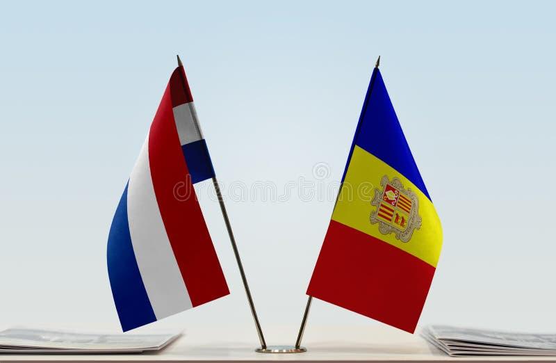Σημαίες των Κάτω Χωρών και της Ανδόρας στοκ εικόνα με δικαίωμα ελεύθερης χρήσης