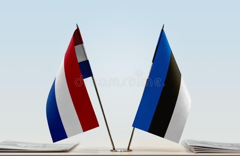 Σημαίες των Κάτω Χωρών και της Εσθονίας στοκ εικόνα με δικαίωμα ελεύθερης χρήσης