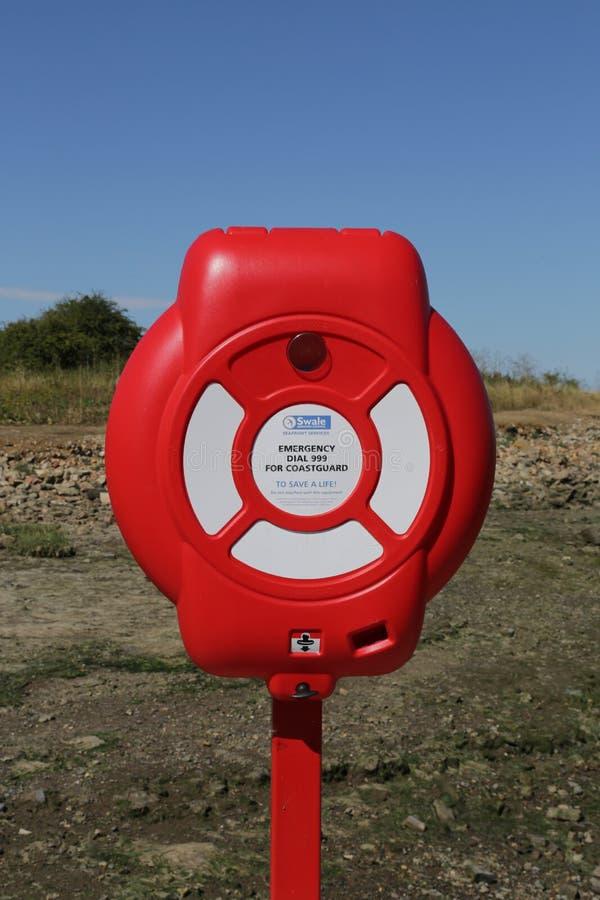 Σημαντήρας αποταμίευσης ζωής στην παραλία στοκ φωτογραφία με δικαίωμα ελεύθερης χρήσης