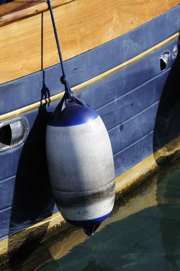 Σημαντήρας στην πλευρά της βάρκας στοκ εικόνες