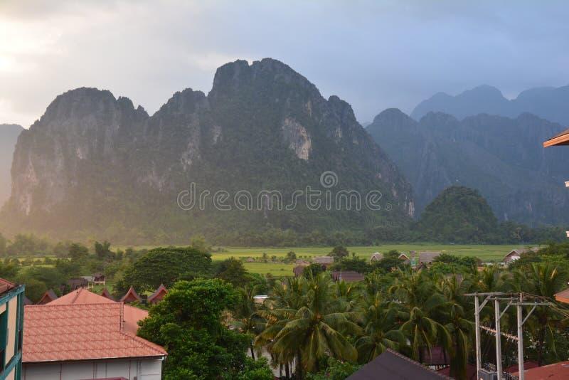 Σημείο άποψης Ngern Pha κοντά σε Vang Vieng Λάος στοκ φωτογραφίες