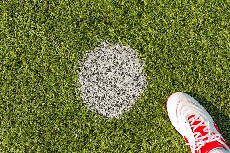 Σημείο ποινικής ρήτρας στην πίσσα ποδοσφαίρου στοκ εικόνα με δικαίωμα ελεύθερης χρήσης