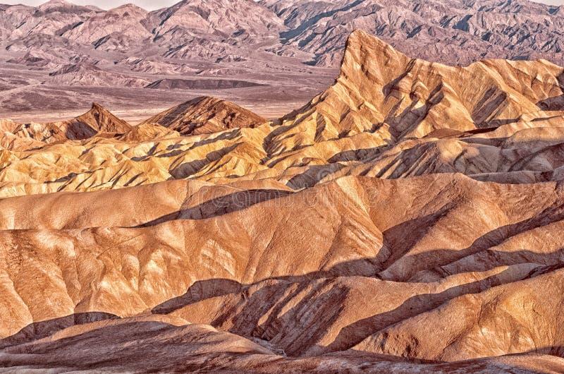 Σημείο Zabriskie στο εθνικό πάρκο κοιλάδων θανάτου σε Καλιφόρνια, ΗΠΑ στοκ φωτογραφία με δικαίωμα ελεύθερης χρήσης
