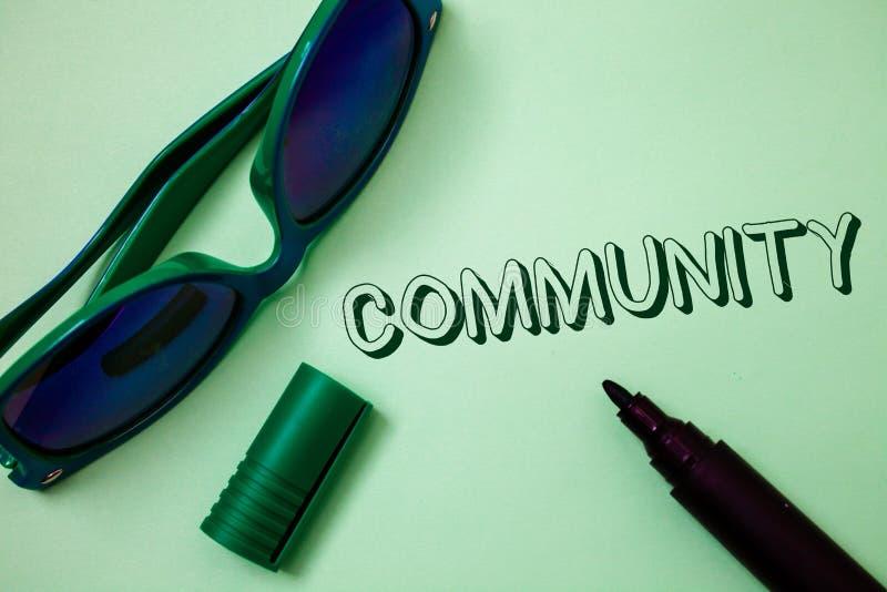 Σημείωση γραψίματος που παρουσιάζει Κοινότητα Ιδέες μ ομάδας ενότητας συμμαχίας κρατικών συνεταιρισμών ένωσης γειτονιάς επίδειξης στοκ φωτογραφία με δικαίωμα ελεύθερης χρήσης